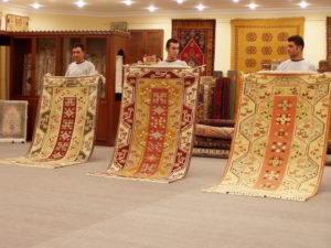 Ručne tkaný koberec